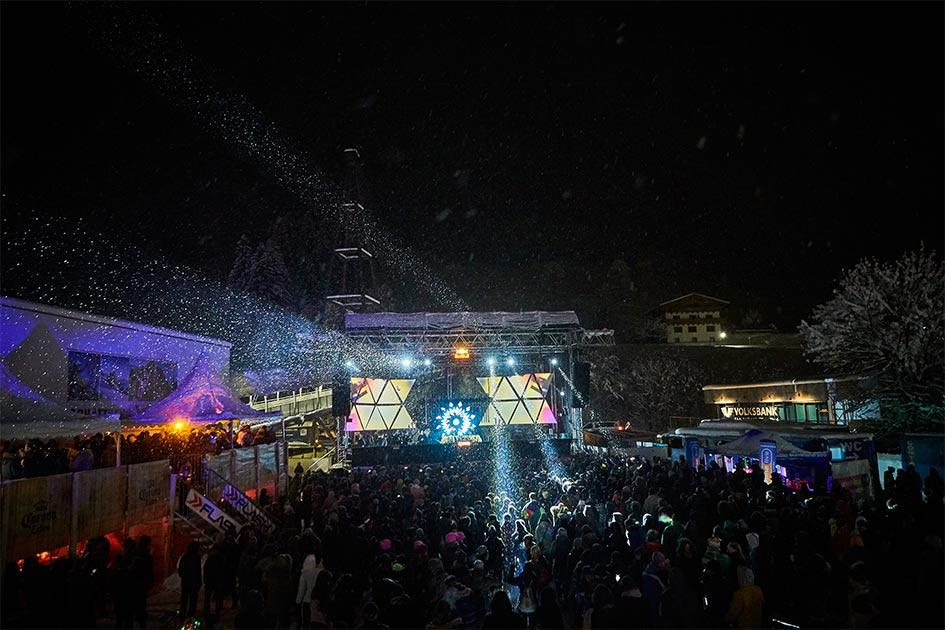 Rave on Snow